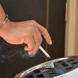 【福岡】ホタル族「じゃあどこで吸えばいいの」 集合住宅のベランダ喫煙トラブル、解決に限界 受動喫煙でうつ病リスクも★11