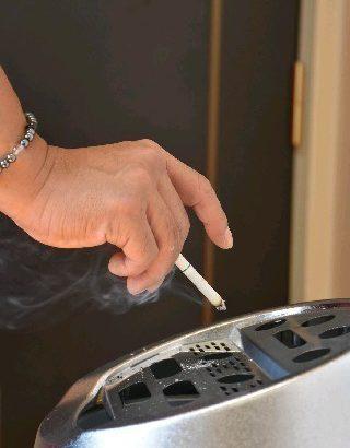 【福岡】ホタル族「じゃあどこで吸えばいいの」 集合住宅のベランダ喫煙トラブル、解決に限界 受動喫煙でうつ病リスクも★13