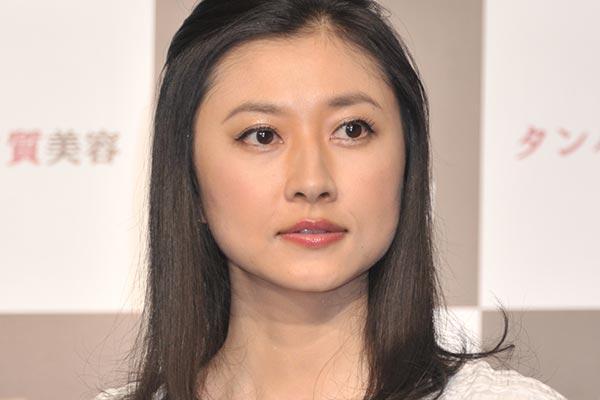 【ハズキルーペ、だぁいすき】菊川怜のハズキルーペ演出、ソフトバンクCMでまさかの「完コピ」 パロディ復活 キャッ!