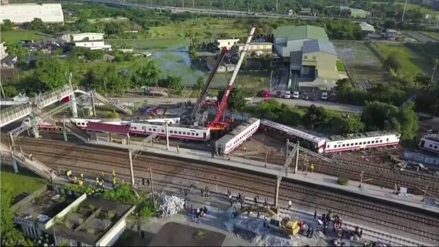 【台湾列車脱線事故】事故直前に運転士が「動力の異常」を通報 車両は日本製 製造した日車両が台湾へ調査に★4