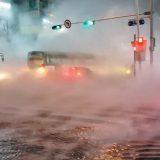 【韓国】道路に熱湯が噴き出す…1人死亡 23人火傷 老朽化した暖房用の温水管が破裂/ソウル