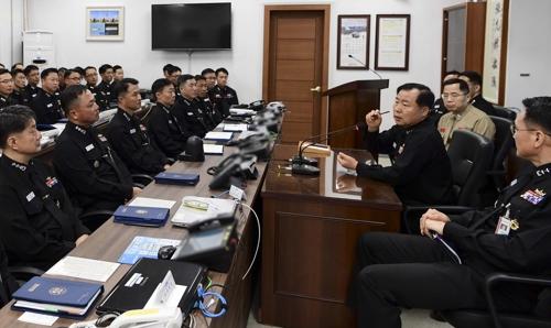 【レーダー照射】海軍制服組トップがレーダー問題の部隊を訪問 対応を叱責か?